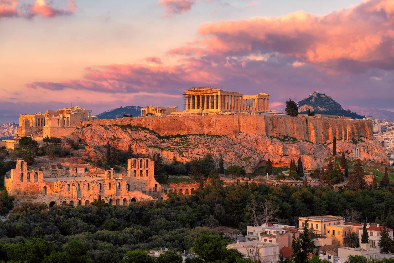 Atardecer en el Acropolis de Atenas con el Pantenón a lo alto
