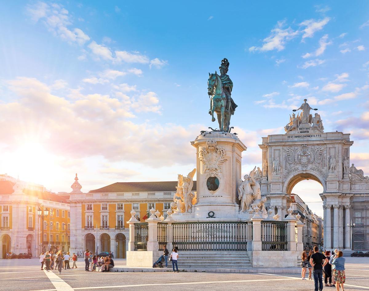 Estatua de el Rei José I en el centro de Lisboa - Portugal