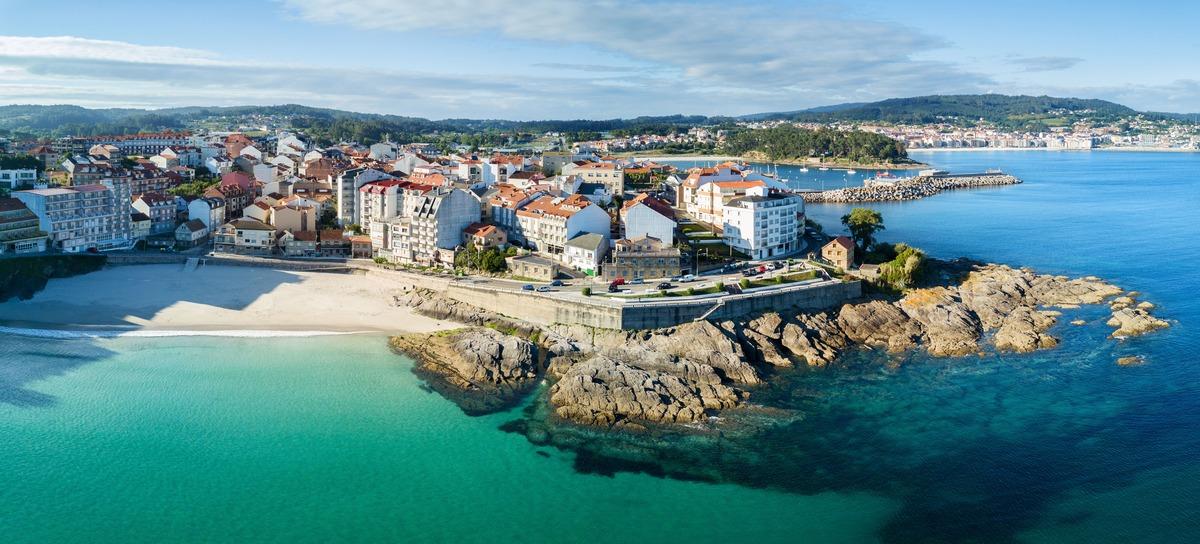 Vista panorámica de la costa de Caneliñas en Rías Baixas - Pontevedra